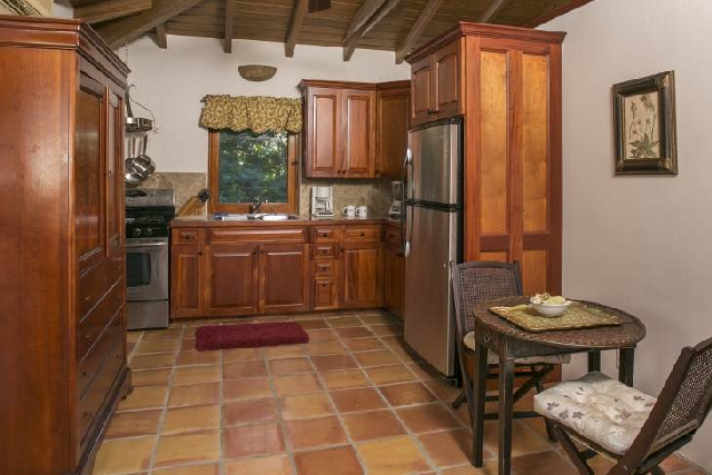 Kitchenette Guest House