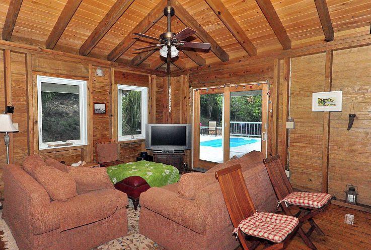 TV-area-door-to-pool-deck