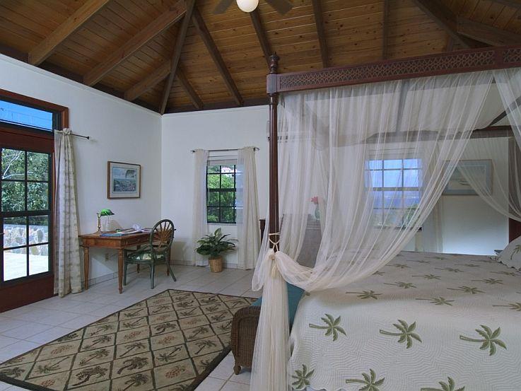 Eden's Whim bedroom