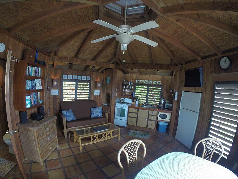 Captain's Cabin Living Area