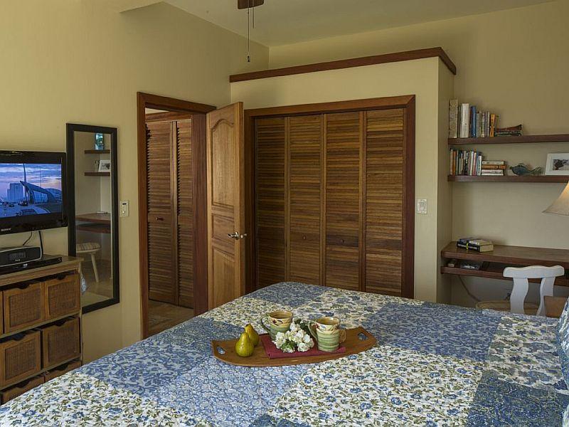 Bedroom at Joy of Life