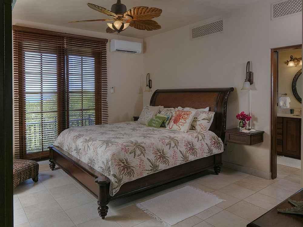 1 of 4 master suites