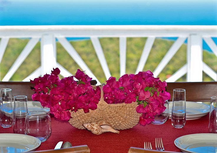 Dining-Room-Place-SettingCloseUp