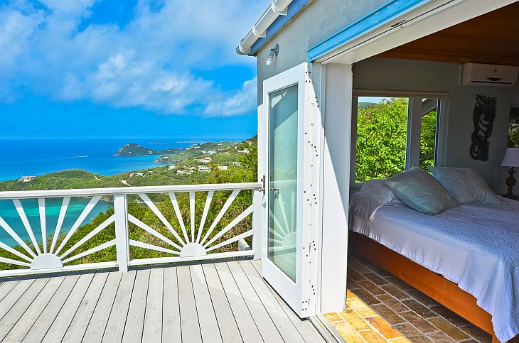 cabana-house-bedroom-and-balconey-view