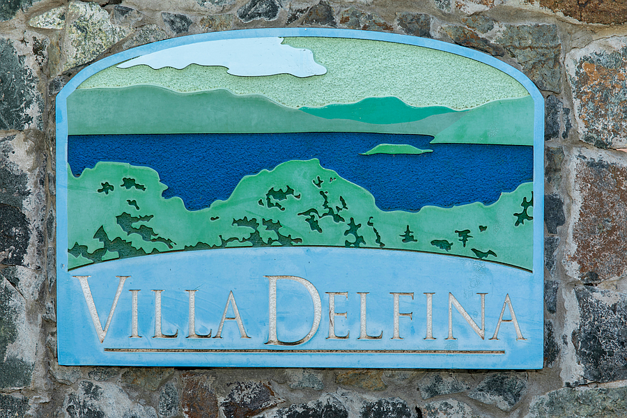 Villa Delfina Sign