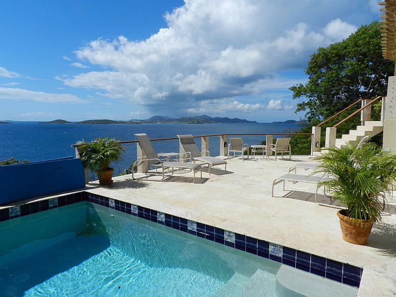 Serenity Villa St John
