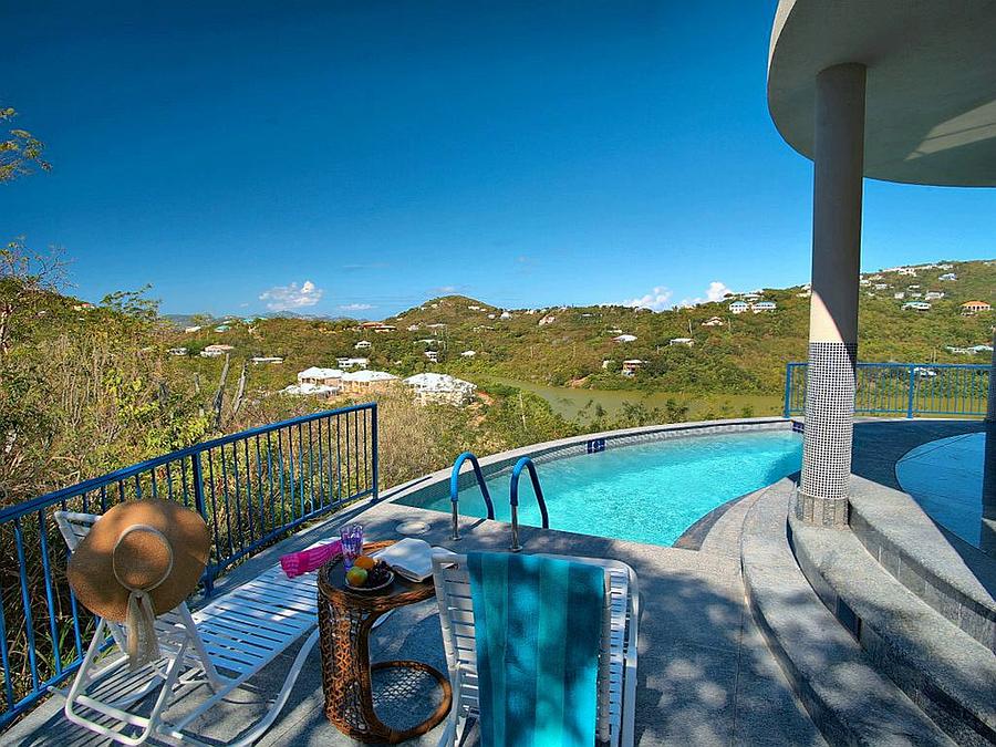 Pool at Samba Azul