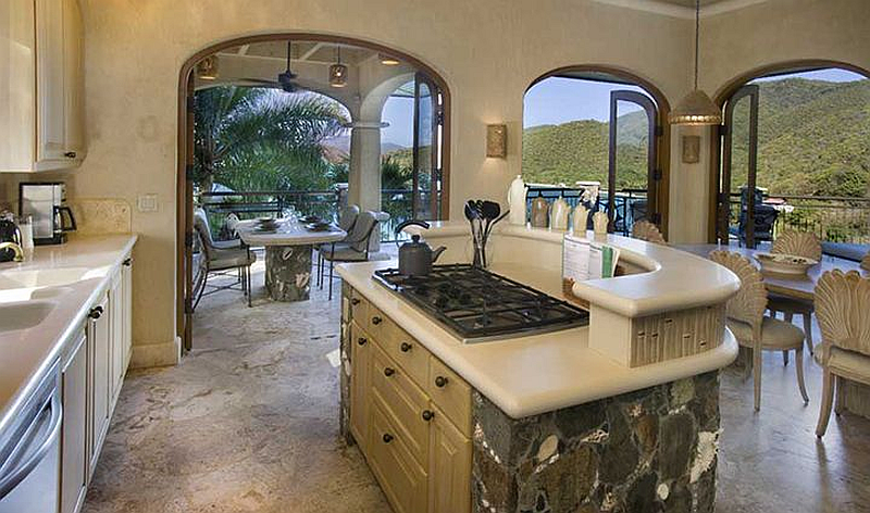 Seacove Villa kitchen